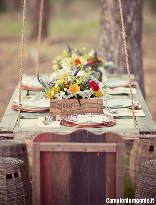 riutilizzare-vecchie-porte-in-stile-shabby-chic-tavolo-da-giardino