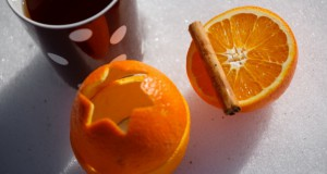 Come fare una candela con la buccia dell'arancia
